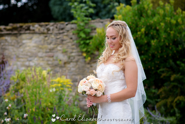 Wedding photographers for Caswell House in Oxfordshire: Carol Elizabeth Photography (21)