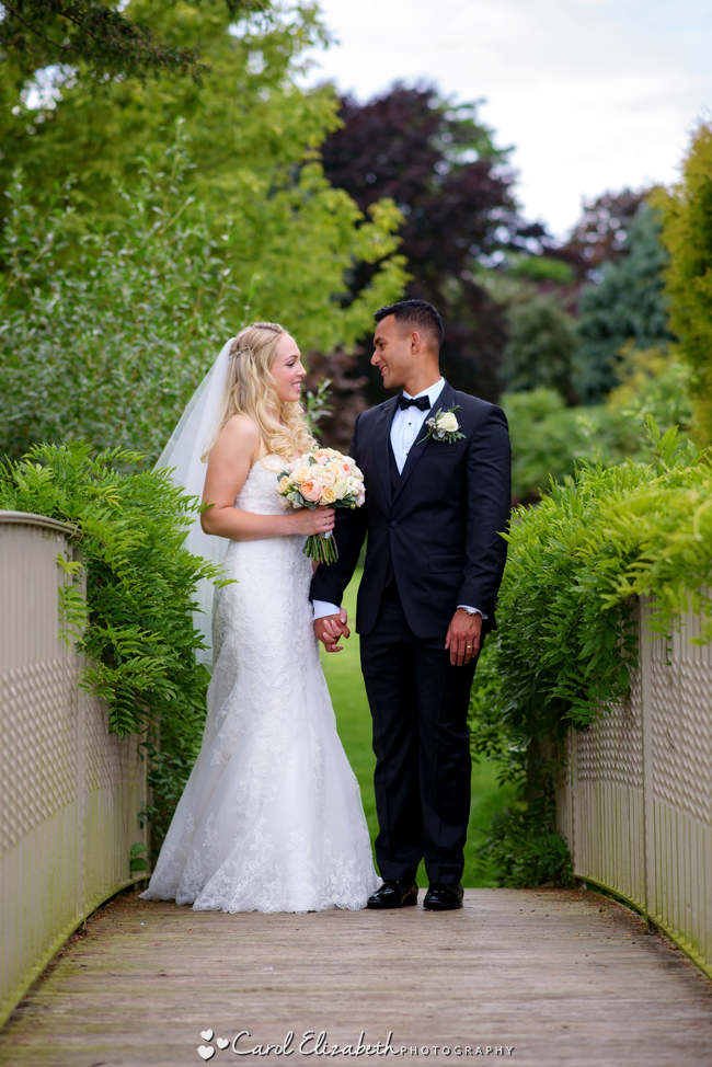 Wedding photographers for Caswell House in Oxfordshire: Carol Elizabeth Photography (23)