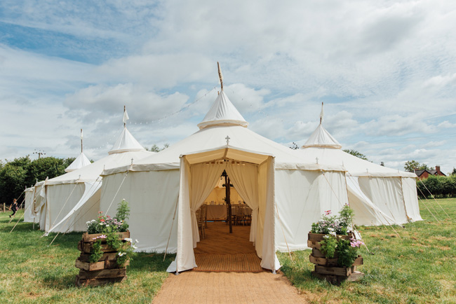 English summer marquee wedding ideas, image credit Che Birch Hayes (20)