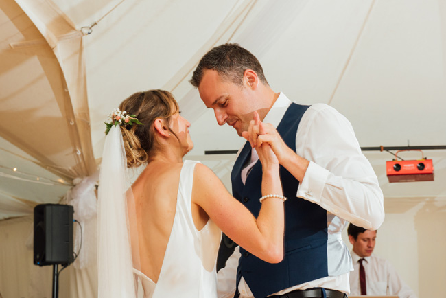 English summer marquee wedding ideas, image credit Che Birch Hayes (27)