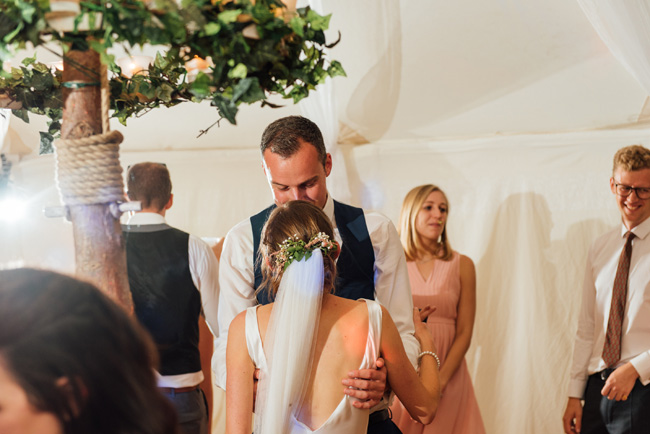 English summer marquee wedding ideas, image credit Che Birch Hayes (28)