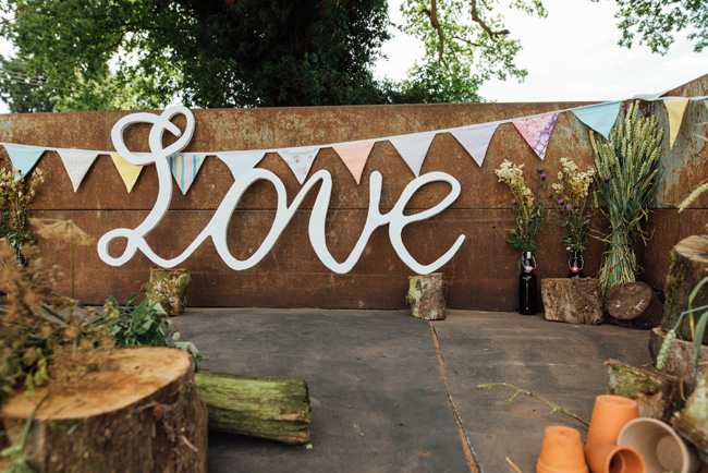 English summer marquee wedding ideas, image credit Che Birch Hayes (3)