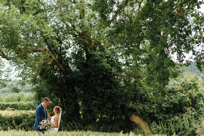 English summer marquee wedding ideas, image credit Che Birch Hayes (16)
