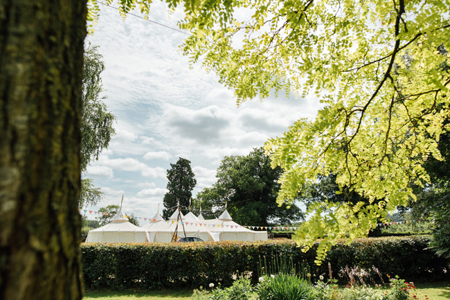 English summer marquee wedding ideas, image credit Che Birch Hayes (4)