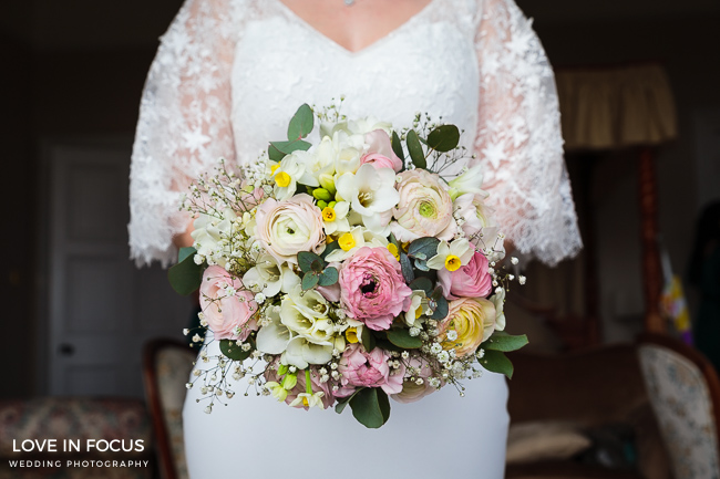 A foodie wedding with pretty, feminine styling at Orchardleigh House. Image credit Love In Focus, Bristol (18)
