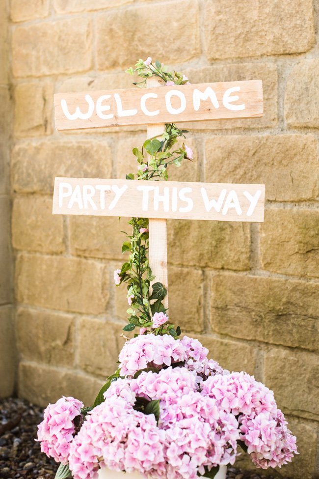 Beautiful Yorkshire wedding with Vivienne Edge Photography (1)