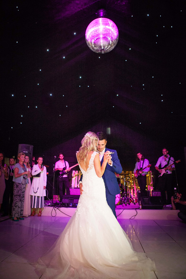 Beautiful Yorkshire wedding with Vivienne Edge Photography (32)