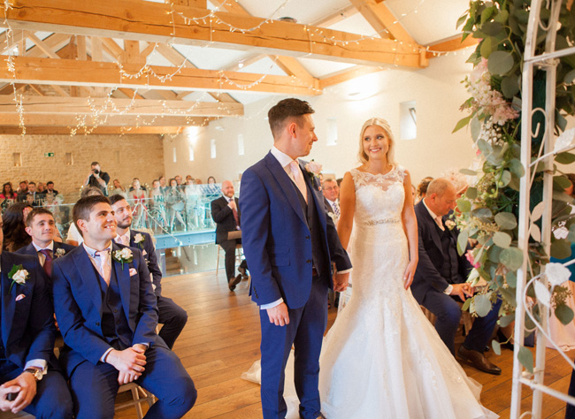 Beautiful Yorkshire wedding with Vivienne Edge Photography (22)