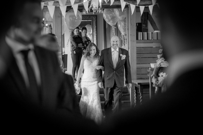 Five Bells Stanbridge wedding on the English Wedding Blog by lovely Becky Harley Photography (9)