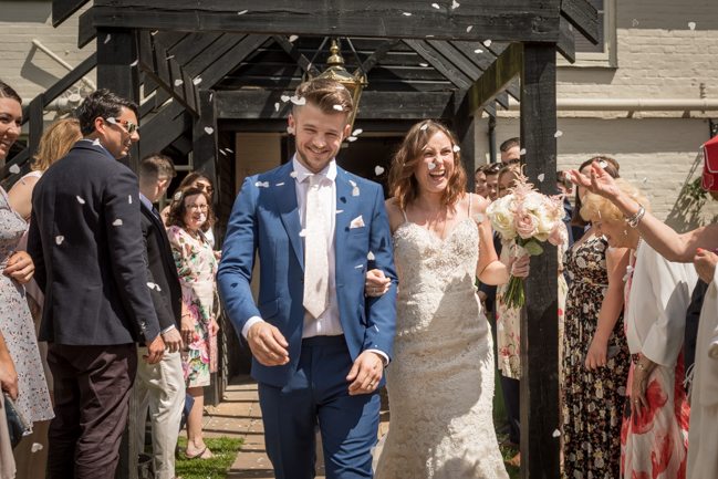 Five Bells Stanbridge wedding on the English Wedding Blog by lovely Becky Harley Photography (11)