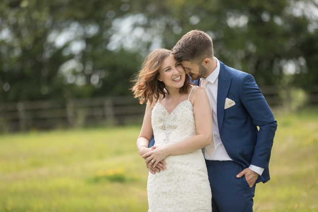 Five Bells Stanbridge wedding on the English Wedding Blog by lovely Becky Harley Photography (16)