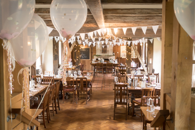 Five Bells Stanbridge wedding on the English Wedding Blog by lovely Becky Harley Photography (19)