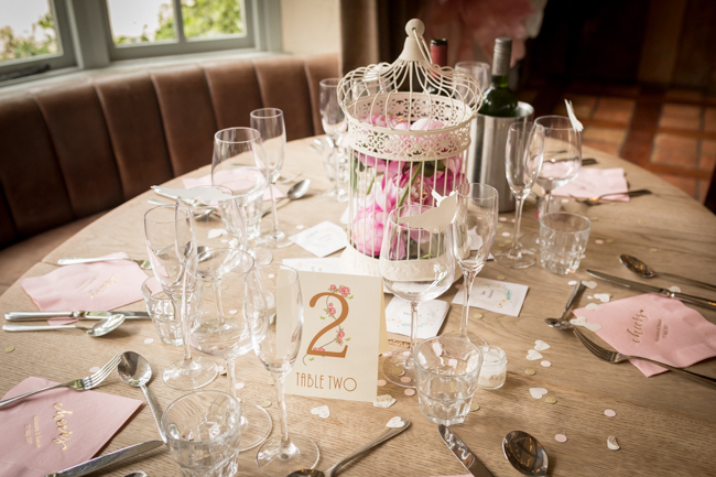 Five Bells Stanbridge wedding on the English Wedding Blog by lovely Becky Harley Photography (20)