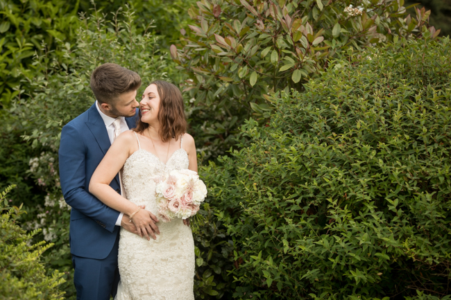 Five Bells Stanbridge wedding on the English Wedding Blog by lovely Becky Harley Photography (26)