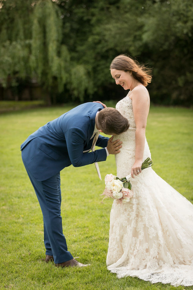 Five Bells Stanbridge wedding on the English Wedding Blog by lovely Becky Harley Photography (29)
