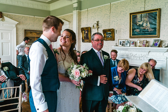 The perfect intimate wedding in Hampshire with Lemontree Photography (25)
