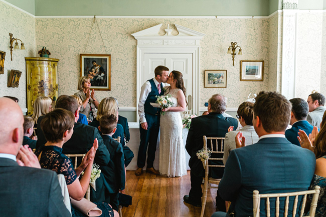 The perfect intimate wedding in Hampshire with Lemontree Photography (23)