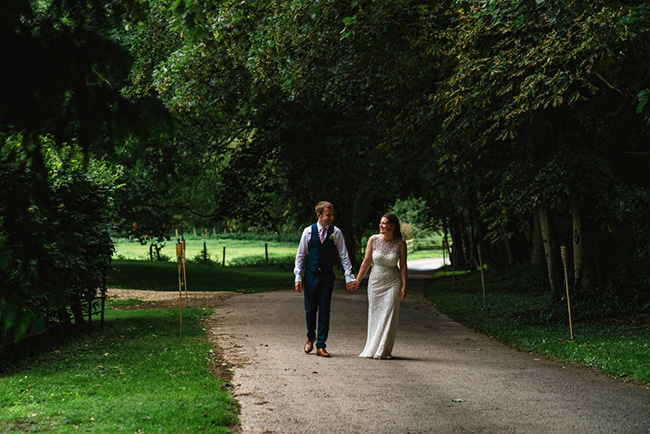 The perfect intimate wedding in Hampshire with Lemontree Photography (16)