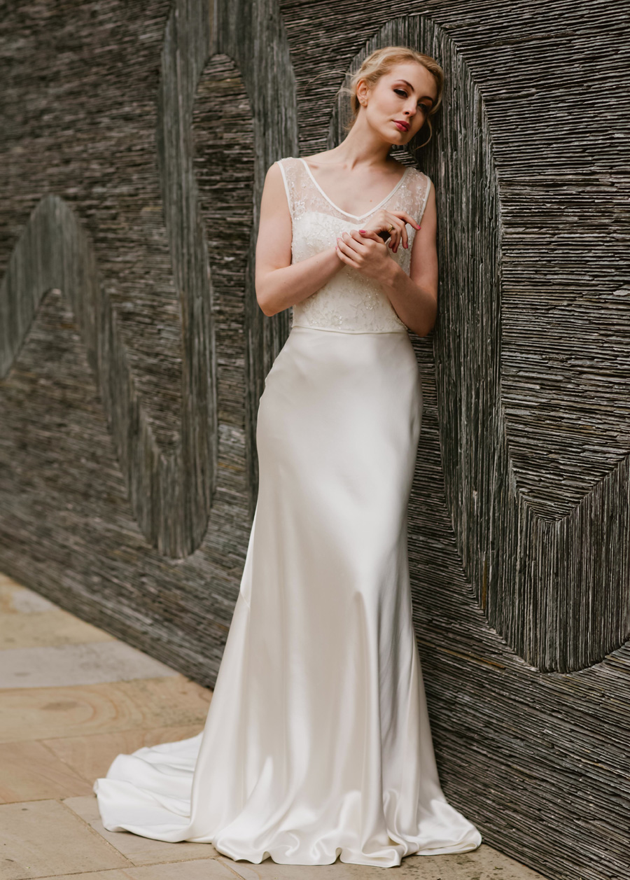 2018 wedding dresses by UK designer Emma Victoria Payne (4)