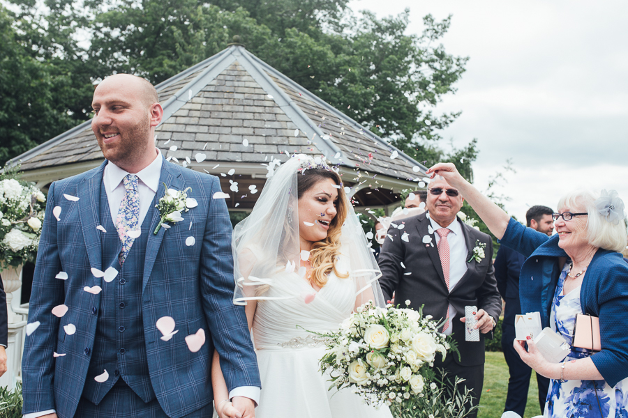 Elegant Kent wedding at Rowhill Grange with The Struths (17)