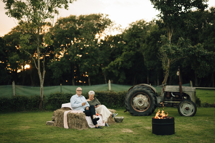 Alternative, eclectic, beautifully relaxed wedding by Inbetween Days Photography (30)