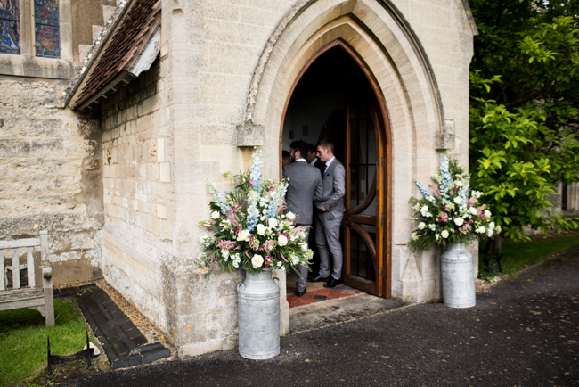 Gorgeous summer florals for a Pendley Manor wedding with Nicola Norton Photography (7)