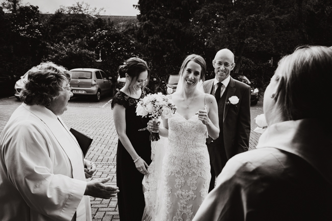 Classic elegance for a Royal Holloway wedding with Dale Stephens Photography (4)