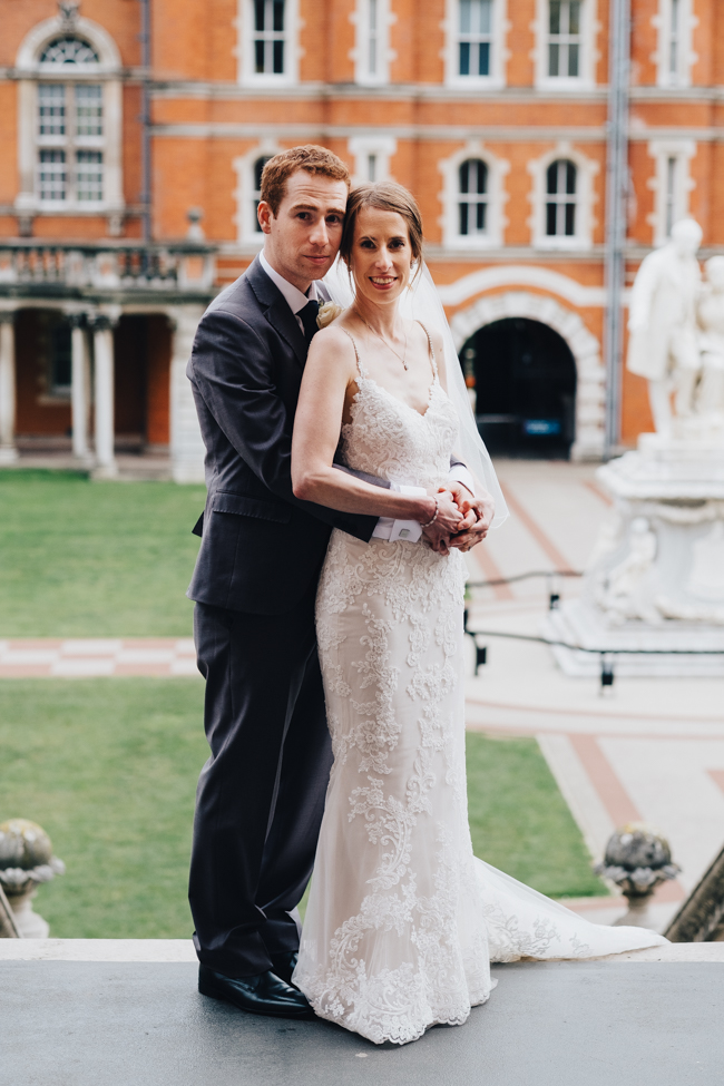 Classic elegance for a Royal Holloway wedding with Dale Stephens Photography (12)