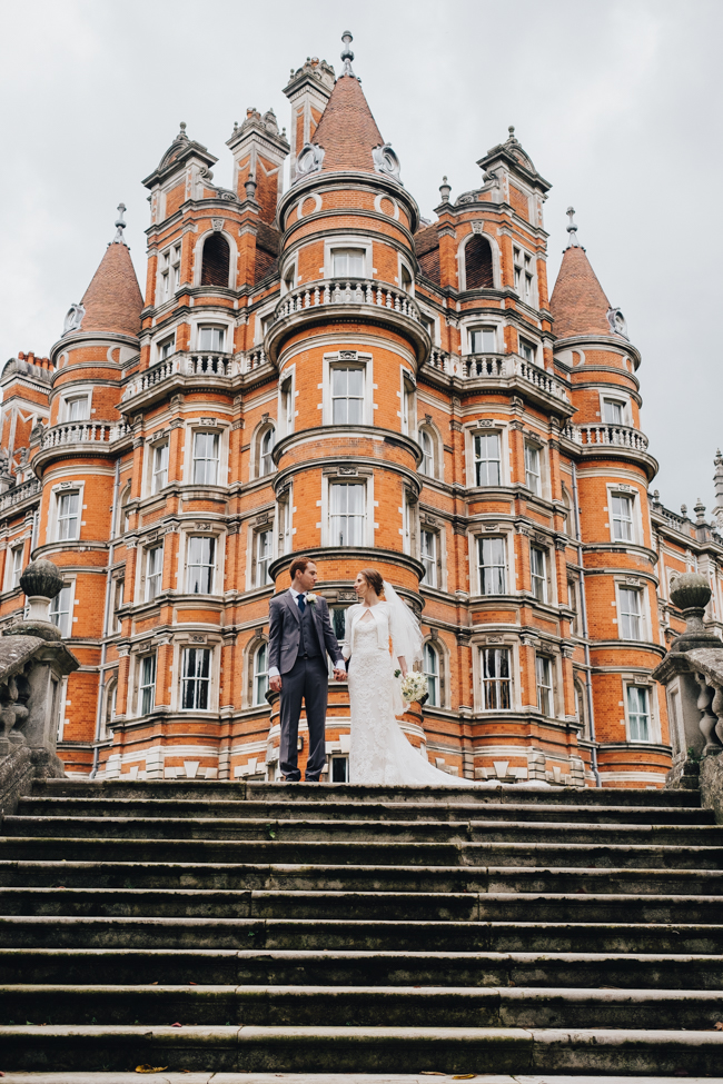 Classic elegance for a Royal Holloway wedding with Dale Stephens Photography (14)