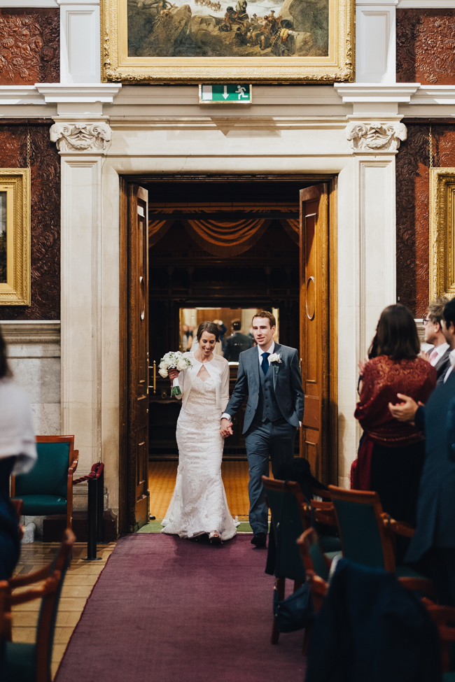 Classic elegance for a Royal Holloway wedding with Dale Stephens Photography (19)