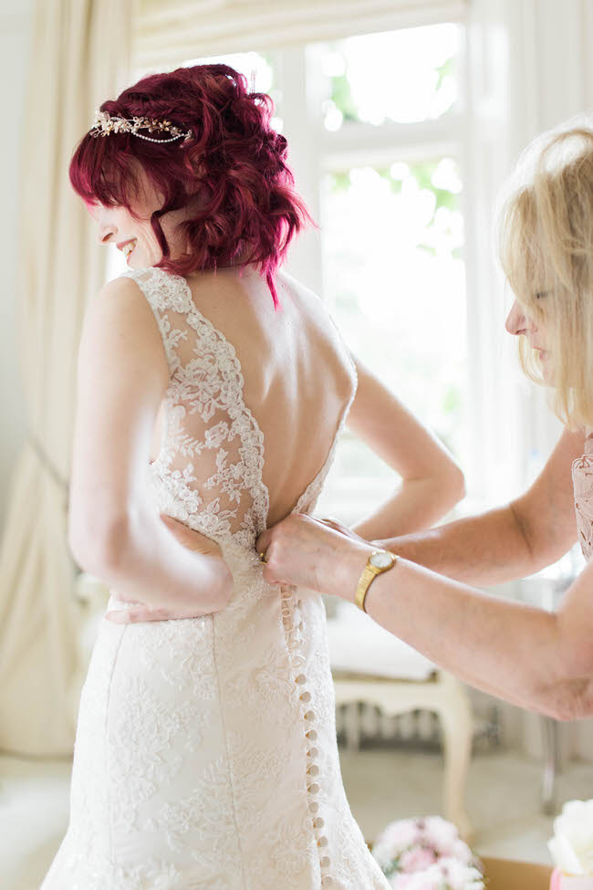 Elegance and glamour with plenty of sparkle for a wedding in Cheltenham with Special Day Photography (7)