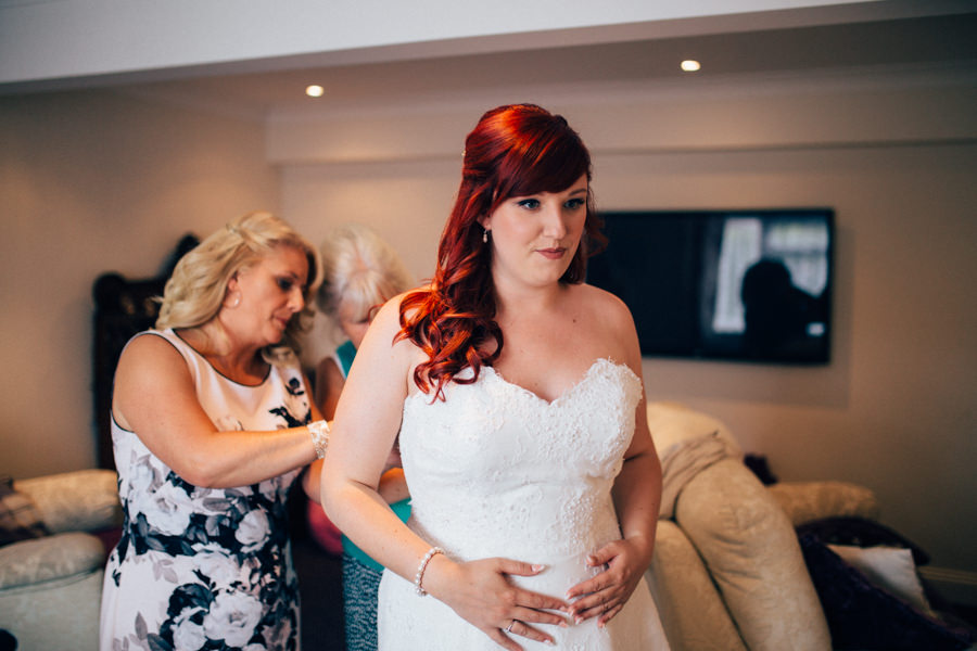A stunning wedding in Hastings with a gorgeous redhead bride, images by Nikki van der Molen (5)