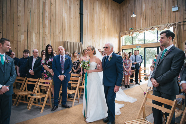 Pretty English barn wedding blog with Penny Young Photography (16)