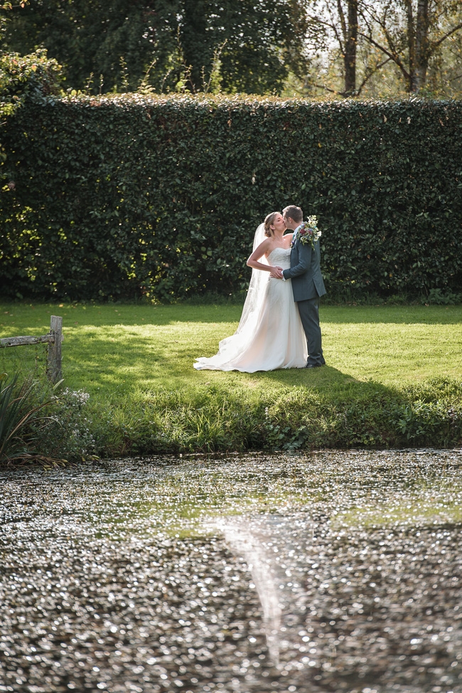 Pretty English barn wedding blog with Penny Young Photography (29)