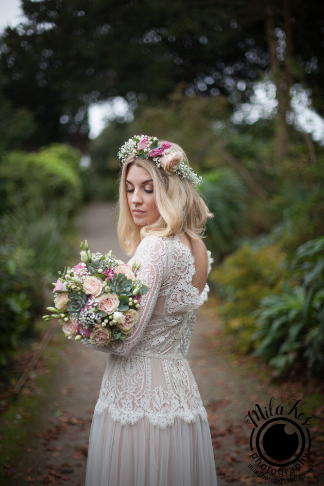 Dusty pink and blue wedding inspiration with Mila Kos on the English Wedding Blog (10)