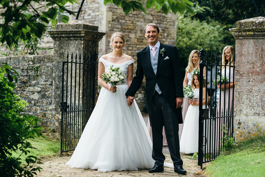 Florals by Foxy Buds for a beautiful English wedding near Bath, image credit Simon Biffen Photography (3)
