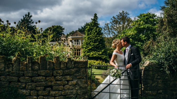 Florals by Foxy Buds for a beautiful English wedding near Bath, image credit Simon Biffen Photography (5)