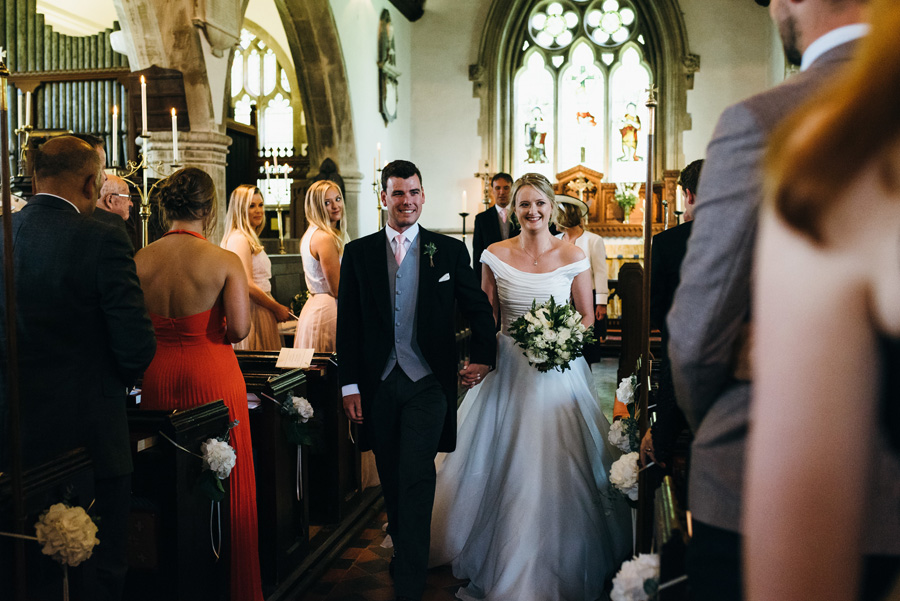 Florals by Foxy Buds for a beautiful English wedding near Bath, image credit Simon Biffen Photography (7)