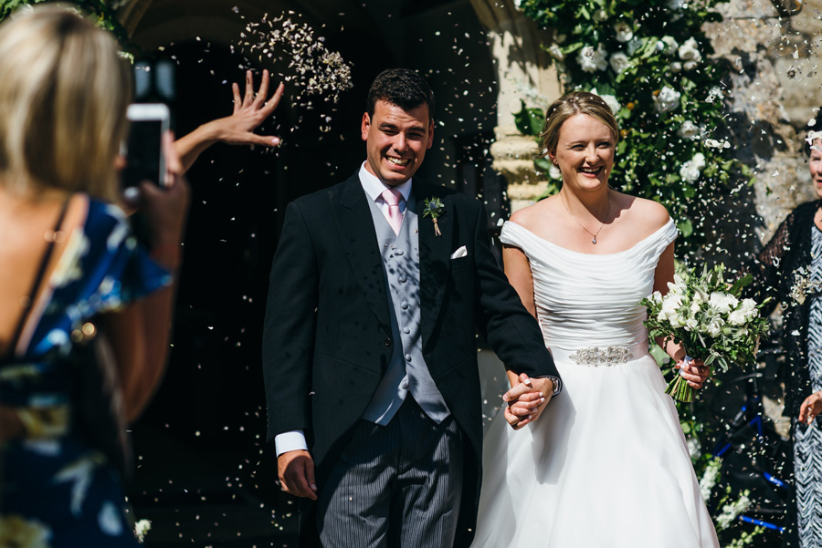 Florals by Foxy Buds for a beautiful English wedding near Bath, image credit Simon Biffen Photography (16)