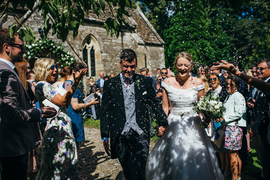 Florals by Foxy Buds for a beautiful English wedding near Bath, image credit Simon Biffen Photography (17)