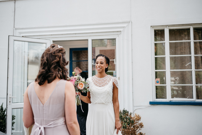 An elegant and modern English wedding at Hampton Court House with Elaine Williams Photography (4)