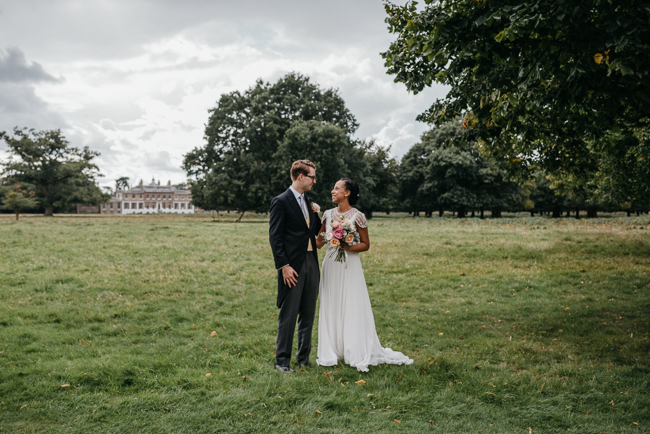 An elegant and modern English wedding at Hampton Court House with Elaine Williams Photography (11)
