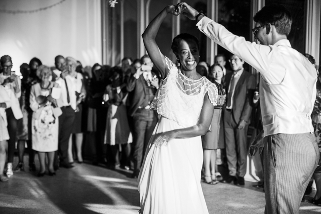 An elegant and modern English wedding at Hampton Court House with Elaine Williams Photography (30)