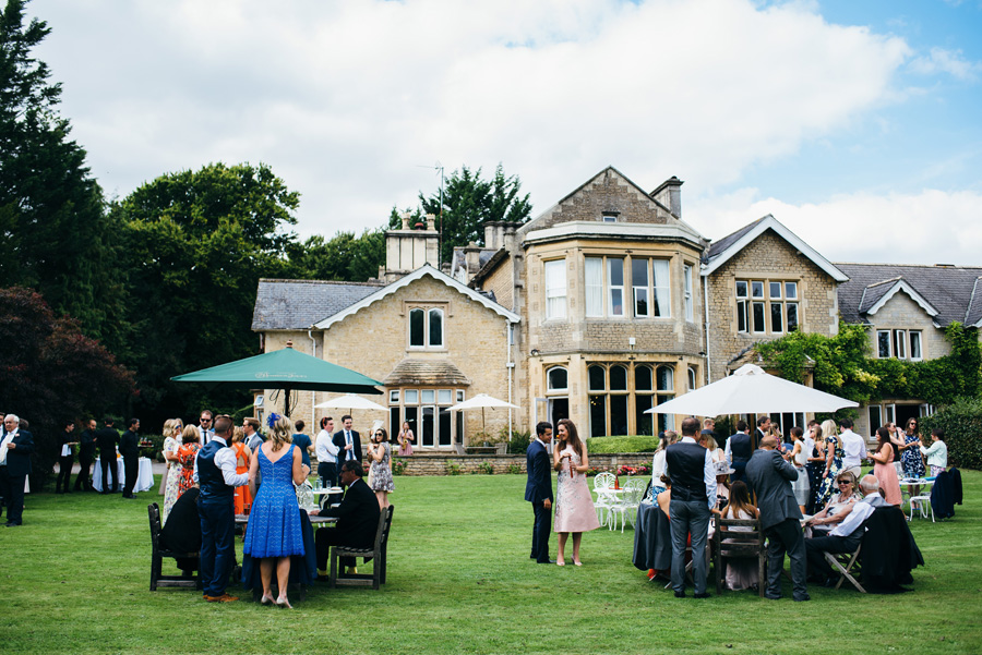 Florals by Foxy Buds for a beautiful English wedding near Bath, image credit Simon Biffen Photography (21)