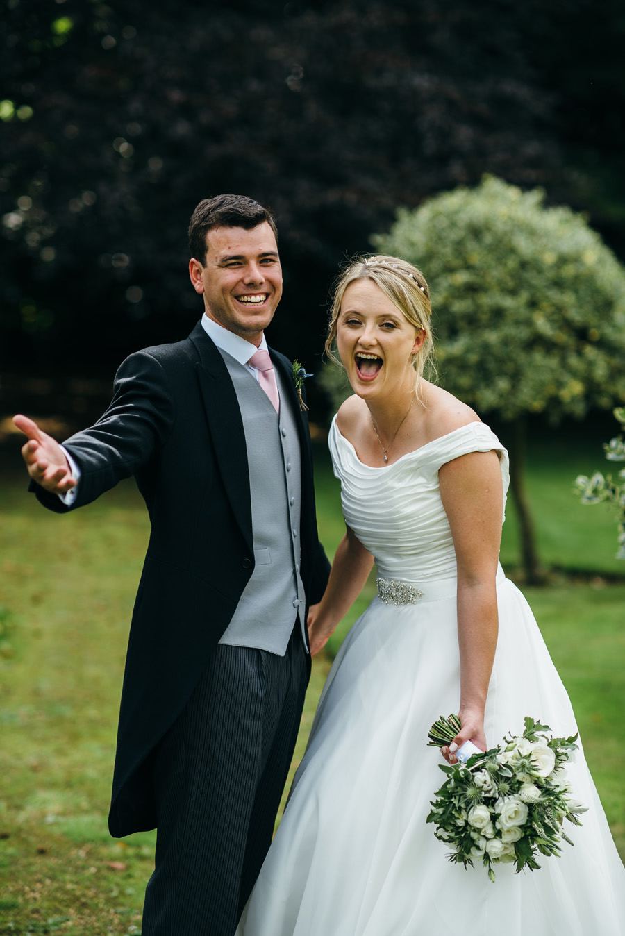 Florals by Foxy Buds for a beautiful English wedding near Bath, image credit Simon Biffen Photography (26)