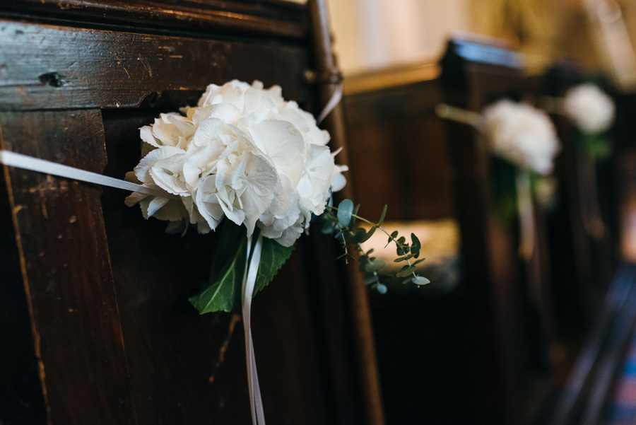 Florals by Foxy Buds for a beautiful English wedding near Bath, image credit Simon Biffen Photography (29)
