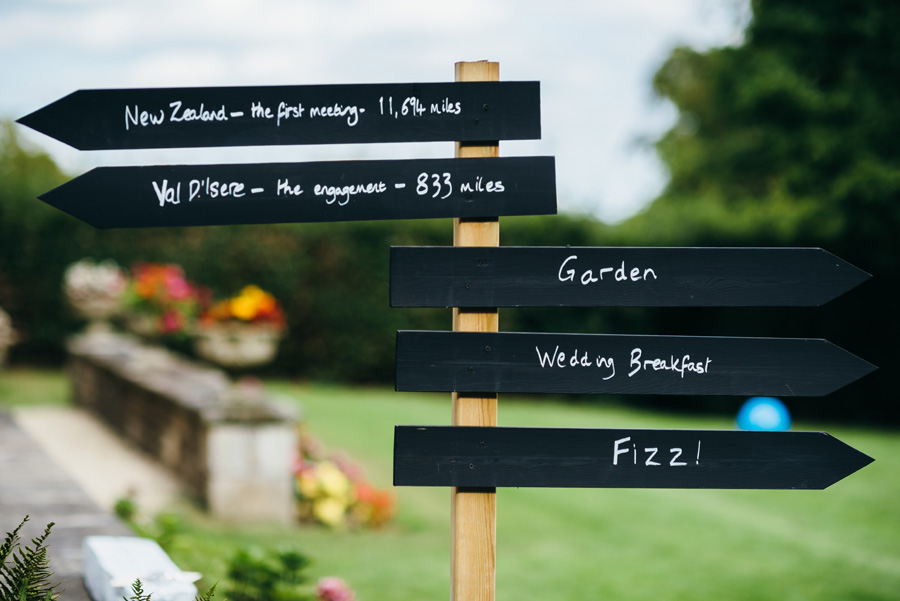 Florals by Foxy Buds for a beautiful English wedding near Bath, image credit Simon Biffen Photography (30)