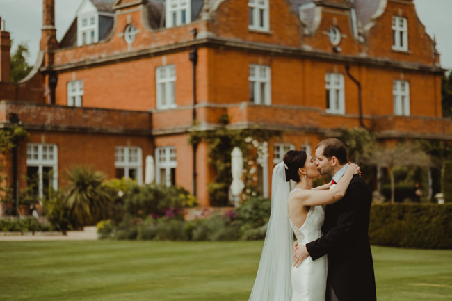 Cambridge wedding inspiration from Chippenham Park with Lee Allison Photography (17)