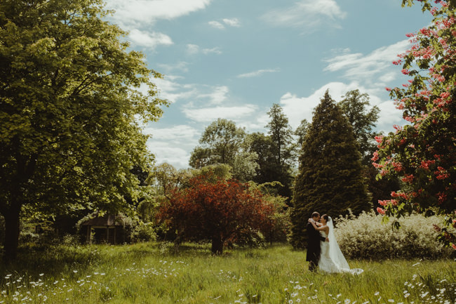Cambridge wedding inspiration from Chippenham Park with Lee Allison Photography (19)
