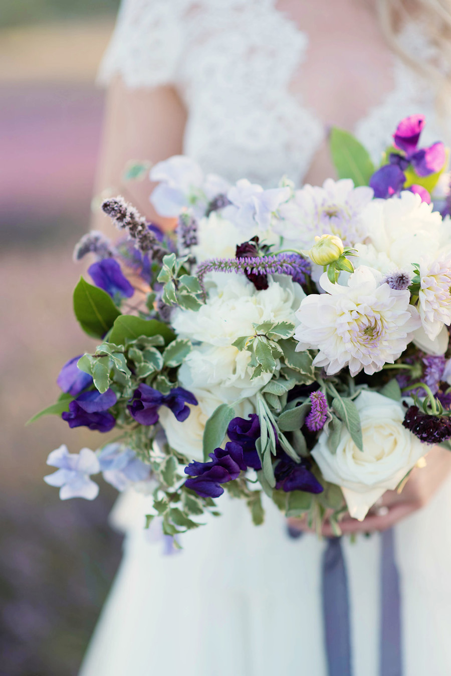 lavender wedding inspiration (29)